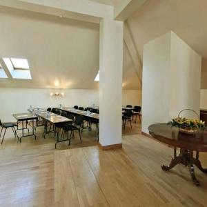 Заказать конференц зал в гостинице «Оксана» Москва